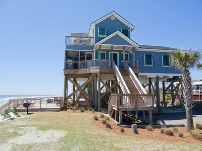 Oceanfront and Pet Friendly -Private Volleyball Ct, Spacious Deck and Screened in Porch