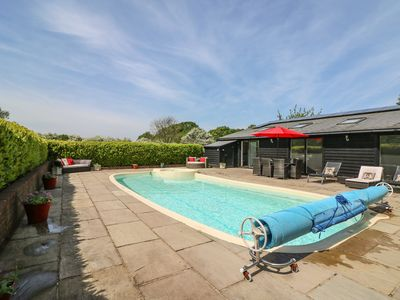 Photo for RUSHMORE LODGE, family friendly, with pool in Knockholt, Ref 16229