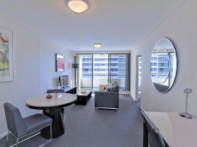 Photo for Affordable/Brilliant Convenient Location/Spacious King Size Bed Apartment/Gym/po