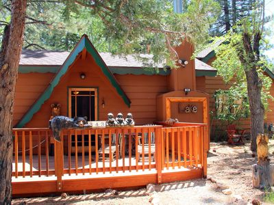 Photo for Beautifully Remodeled 2-Bedroom Cabin just steps to the Lake!!