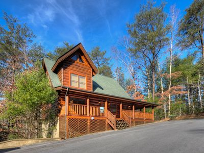 Photo for LUXURY 2/2 CABIN WITH INDOOR/OUTDOOR RESORT POOL IN FANTASTIC LOCATION!