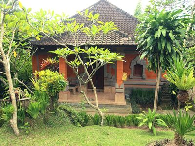 Photo for 210m2 Antique, Trendy, Arty, Yogi House + Central Quiet Garden Pool + Fast Wifi