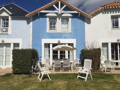 Photo for BEAUTIFUL HOME ON GOLF HOLIDAY IN RESIDENCE WITH POOL