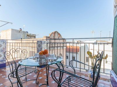 Photo for Classic apartment with Terrace Sevilla