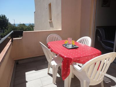 Photo for T2 apartment 4 people, 2 bedrooms, direct access to the beach