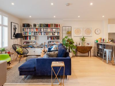 Photo for Modern new build for 6 people in London