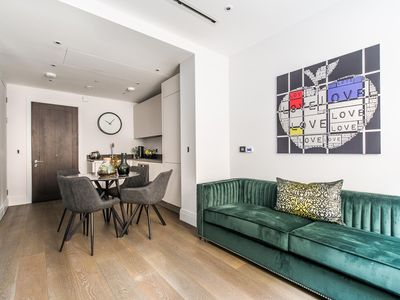 Photo for Exceptional 1 Bedroom Covent Garden