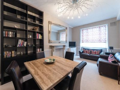 Photo for Elegant 2bed Apartment - 3min to Earl's Court tube