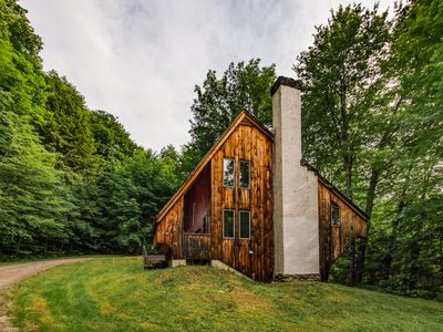 "Photo for ""The Crooked House"" w/ sauna on private wooded lot near Woodstock, Killington"