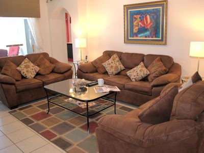 Photo for Outstanding 4-bed/3-bath villa, air-conditioned games room, private pool. 10 minutes to Disney