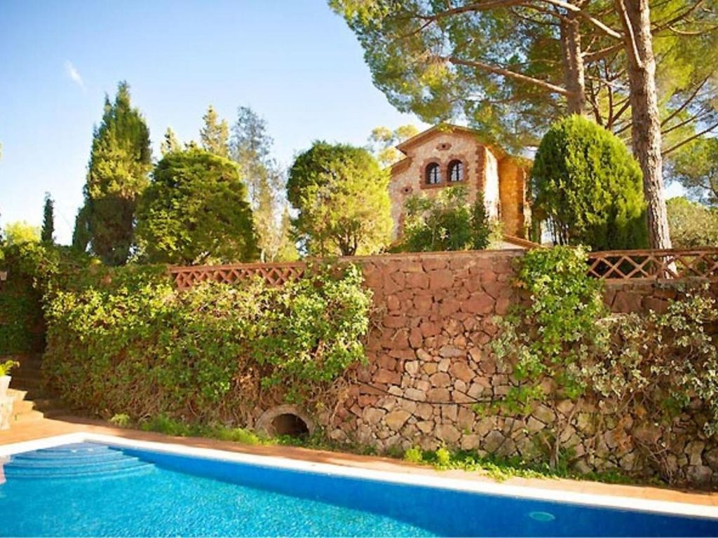 El Tur Spectacular Villa With Swimming Pool In Barcelona 6556459