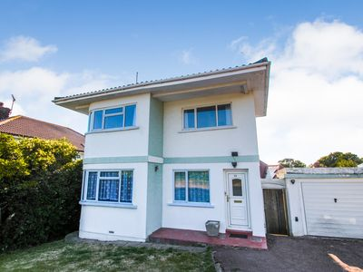 Photo for Cliff House  3 Bed detached with Sea Views close to sandy beach and harbour