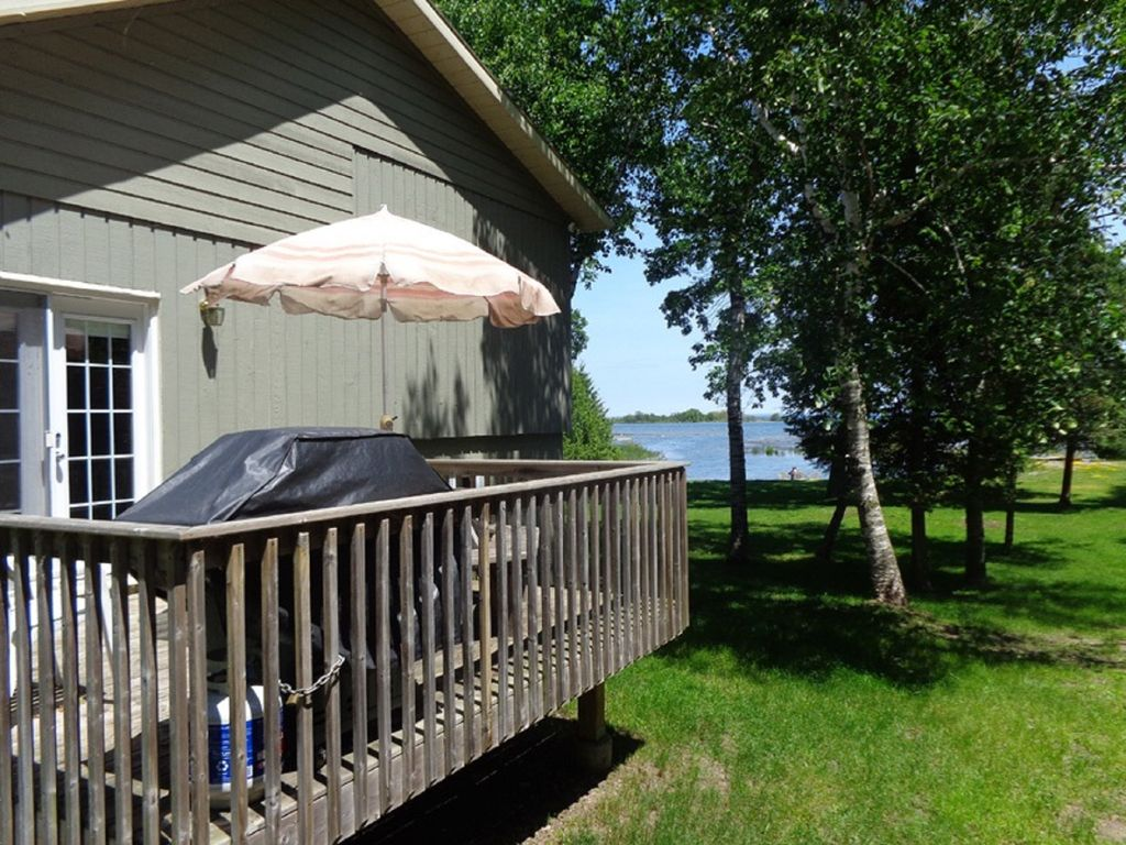 lake and park camp medium nipissing barrie panorama cottages lakefront cottage rental img rentals