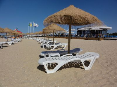 Enjoy a cold drink, coffee or ice cream at the beach café or relax on the beach