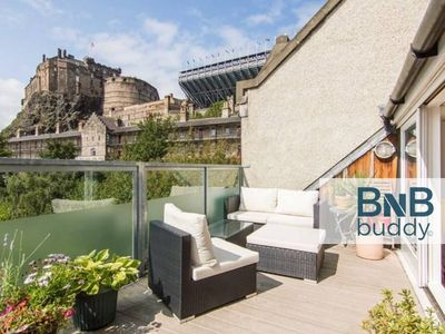 Photo for Beautiful 3bd Apt w/ Terrace - Amazing Castle View