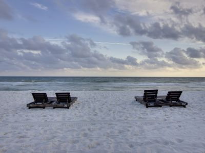 Photo for Oceanfront condo w/beach & pool access, and stunning views - snowbirds welcome!