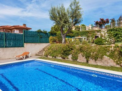 Photo for Beautiful apartment for 8 people with private pool, WIFI and TV