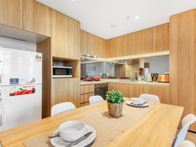 Photo for High Floor apt Darling Harbour View in CBD