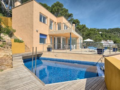 Photo for Majestic sea view villa with jet-stream private pool, wifi internet and 6 sleeps