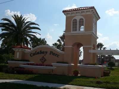 Entrance to the Calabay Parc community.