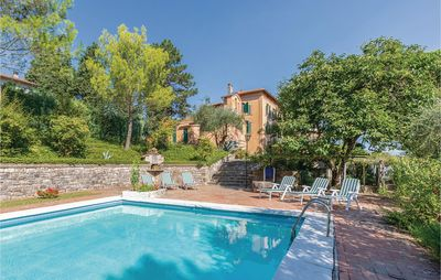Photo for 5 bedroom accommodation in San Venanzo TR
