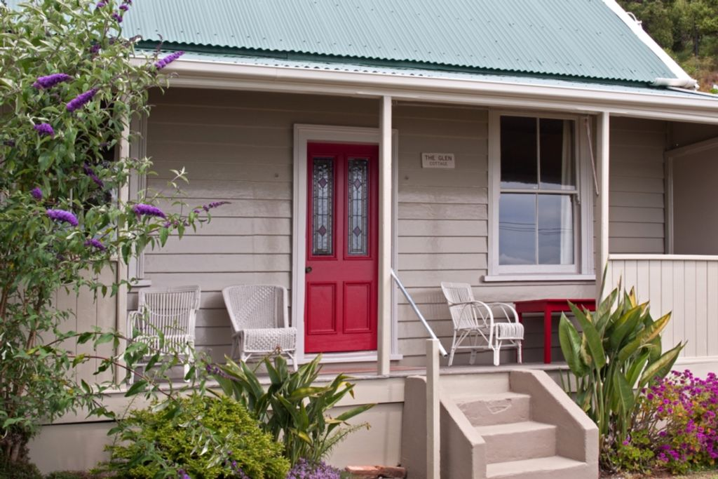 Seaside Cottage - Glen Bay