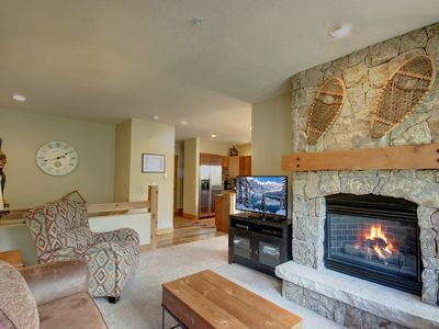 Photo for Settlers Creek 6553 FREE SHUTTLE - Views, Pool/Hot Tub, KING, FREE WIFI by Summitcove Lodging