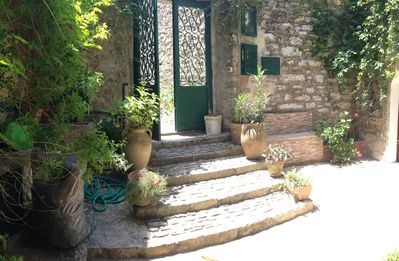 Photo for Relax in a typical courtyard Erice