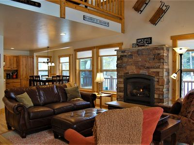 Photo for Newly Listed! Mountain Air Getaway- Pet Friendly, 5 Min to shops/dining, HUGE Deck - Tranquil Aspens