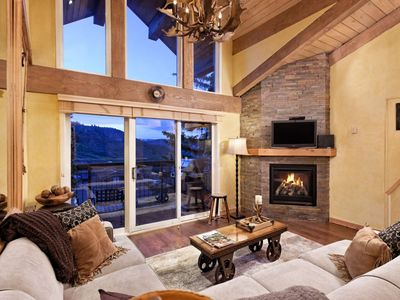 Photo for Snowmass Mtn - Crestwood Ski-In/Out. Great Views, Pool/Hot Tub, Lots of Beds, Balcony, Free Shuttle