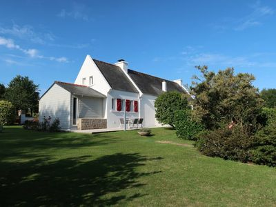 Photo for Vacation home Les Volets Rouges (PEU101) in Peumerit - 5 persons, 3 bedrooms