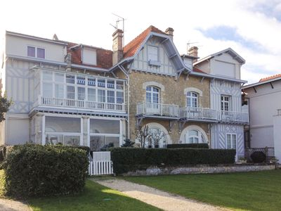 Photo for Splendid Flat In First Line Arcachon Center View on the Basin