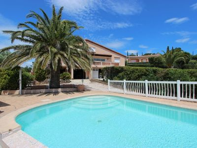 Photo for Crickets villa 16/18 pers. with heated private pool
