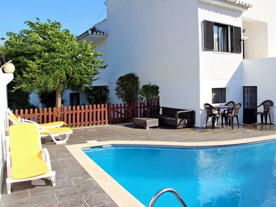 Photo for Villa with pool near the center and the beach Quarteira