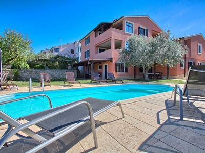 Photo for Great apartment with pool, 2 bedrooms, kitchen, bathroom, washing machine, air conditioning, WiFi, whirlpool and only 400 meters to the beach