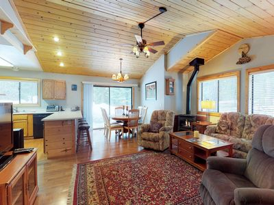 Photo for NEW LISTING! Cabin w/shared pool & hot tub, spacious deck, near golf/skiing