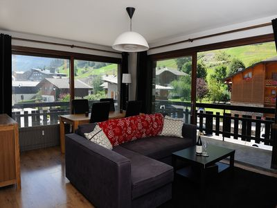 Photo for Central apartment With Stunning Mountain Views