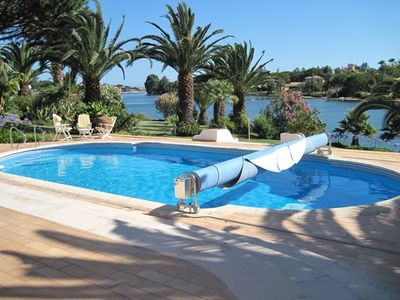 Photo for 5 bedroom Villa, sleeps 11 in Quinta do Lago with Pool, Air Con and WiFi