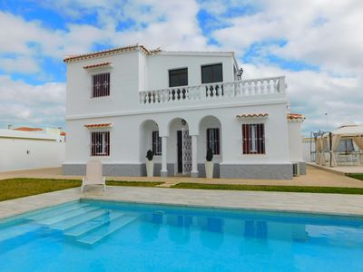 Photo for Wonderful 4 bed 3 bathroom detached villa with goodsize private swimming pool