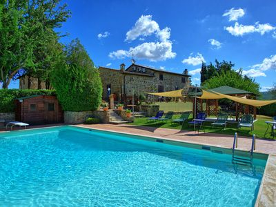 Photo for Private Villa with WIFI, private pool, A/C, TV, patio, panoramic view, parking, close to Montalcino