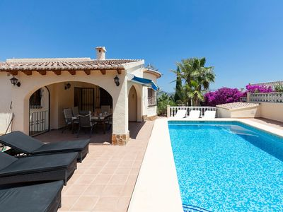 Photo for Beautiful private villa for 6 guests with WIFI, private pool, TV and parking