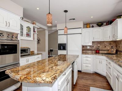 Photo for Luxury Scottsdale Escape, hot tub, big pool, perfect for families & entertaining