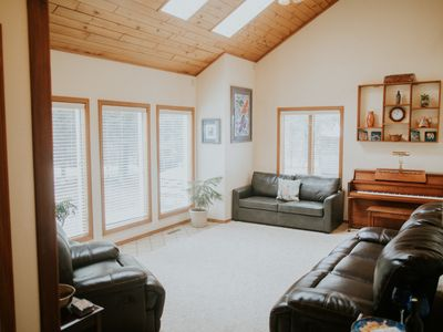 Photo for Elegant, Spacious Home, Family Friendly, Master Suite, 8 Person Hot Tub, park RV
