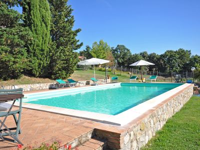 Photo for Cosy apartment with pool, WIFI, TV, washing machine, panoramic view, parking, close to San Gimignano