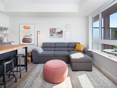 Photo for ★ PERFECT SPOT DT| Short Walk to Sandy Beaches, Nightlife | King Bed