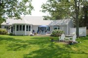 Relaxing Oasis Overlooking Bass River - Best Sunsets On The Cape