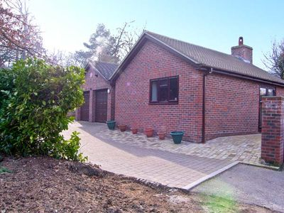 Photo for THE OAKS, pet friendly, with open fire in Warminster, Ref 13552