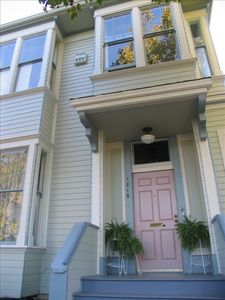 Photo for Beautiful Victorian Flat Near 4th Street - Pet Owner Upscale