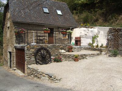 Photo for Gite de Ladrech, sleeps 4, located in a tranquil hamlet above Conques * Plus Spa