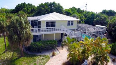Fabulous Island Home, Private Pool, Rec Room, 2 Carts